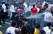 ePrix7 Monaco. Буэми поливает всех шампанским.