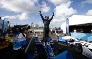 Николас Прост выиграл гонку