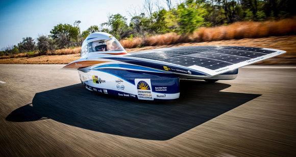 Солнечный электромобиль Nuon Solar, победитель конкурса электромобилей в Австралии