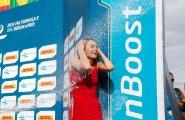 Берлин 2015, ePrix8, Подиум, девушку обливают шампанским