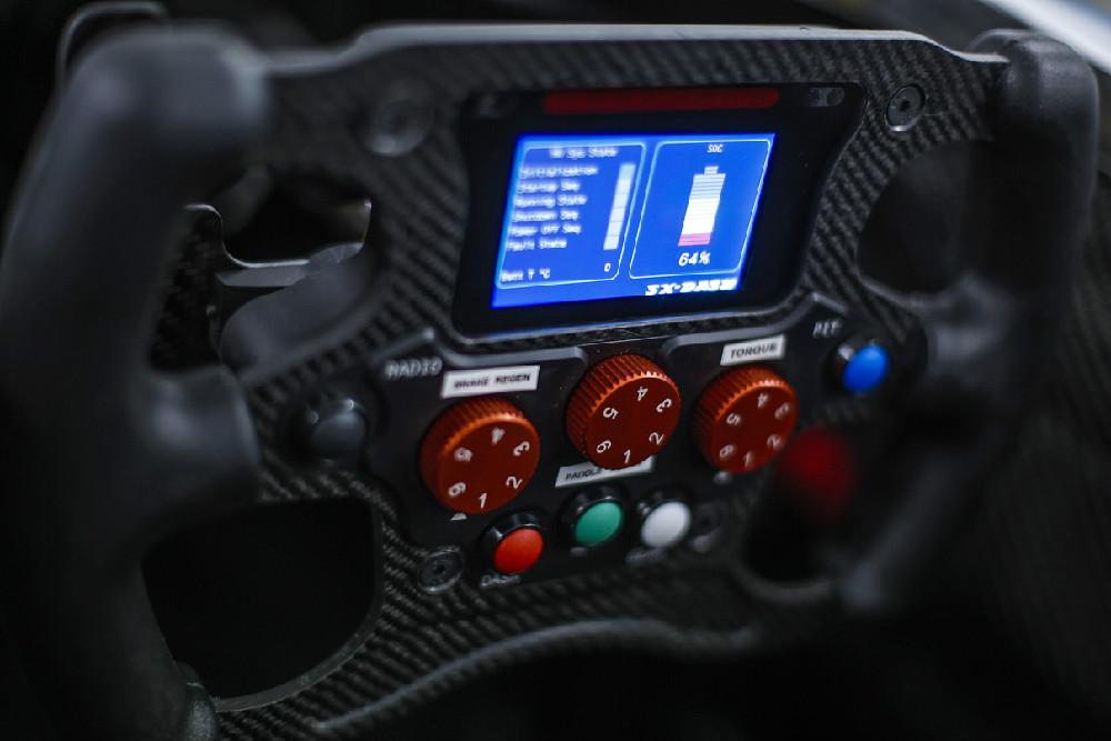 fe-car-test-debut-2