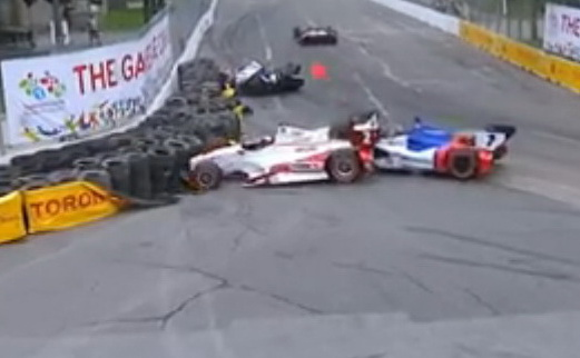 Михаил Алёшин врезался в Хуана-Пабло Монтойю в IndyCar