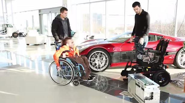 Rimac создала электро-кресло для инвалида Ролли