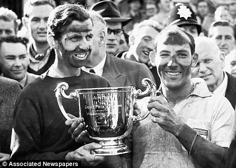 Стирлинг Мосс и Тони Брукс вдвоём победили в ГП Великобритании 1957 года