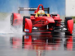Формула Е уже ездила под дождём, правда лишь перед тестами