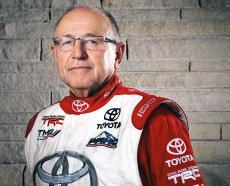 Род Майлен (Rod Millen) - ветеран автоспорта, ныне пилотирующий электромобиль Toyota