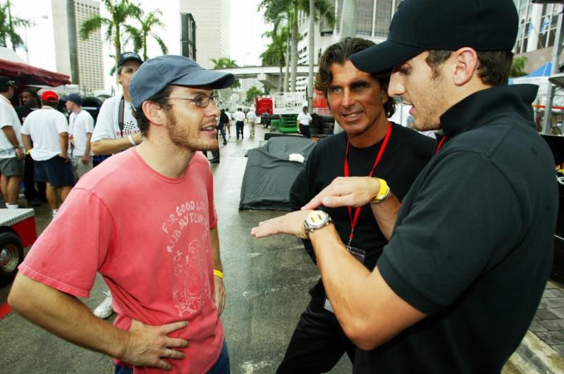 Жак Вильнёв (слева) побеждал на городской гонке серии CART в Майами.